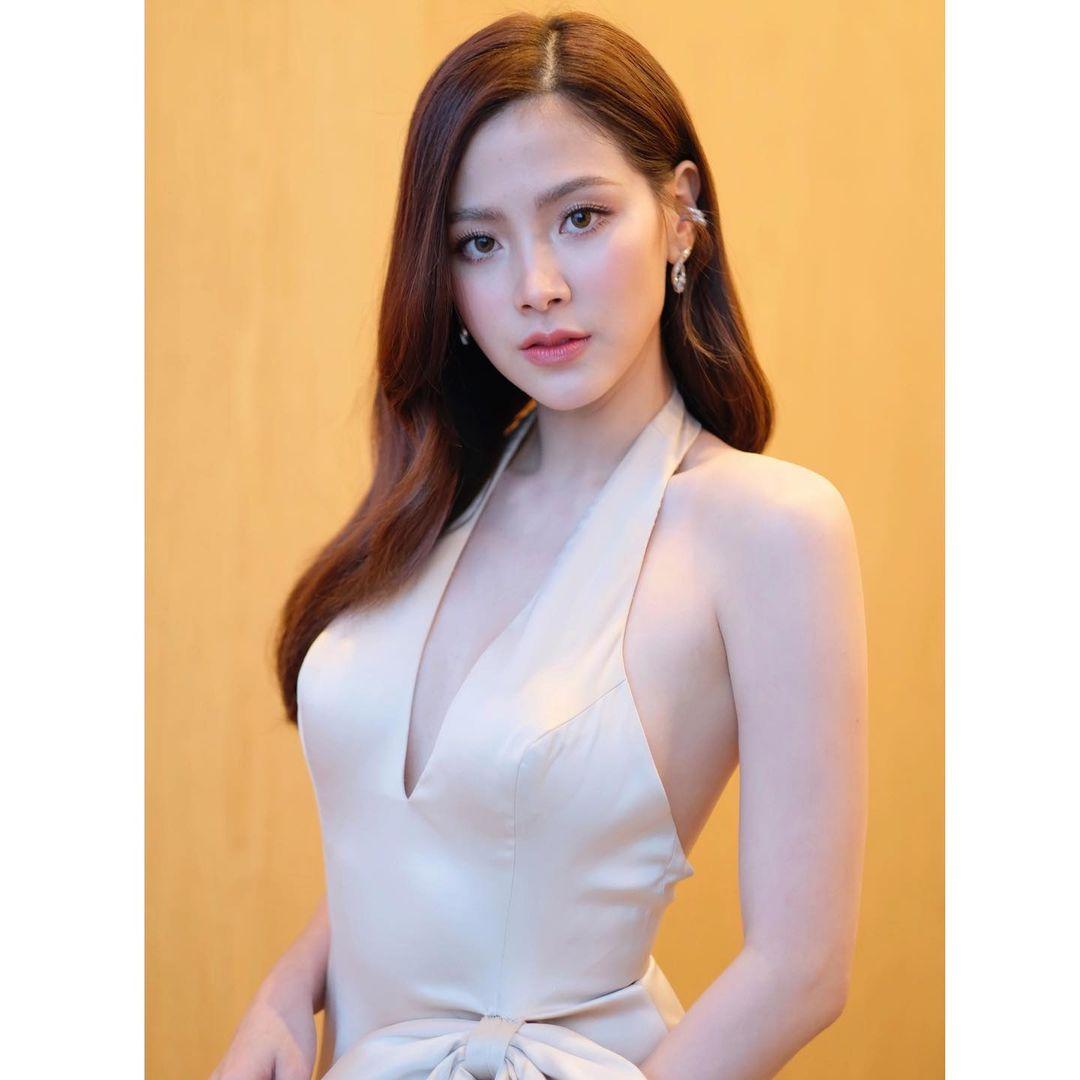 """""""Gái ngành xinh nhất Thái Lan"""" khoe trọn lưng trần với áo """"bánh tét"""" hút 800 nghìn like - hình ảnh 5"""
