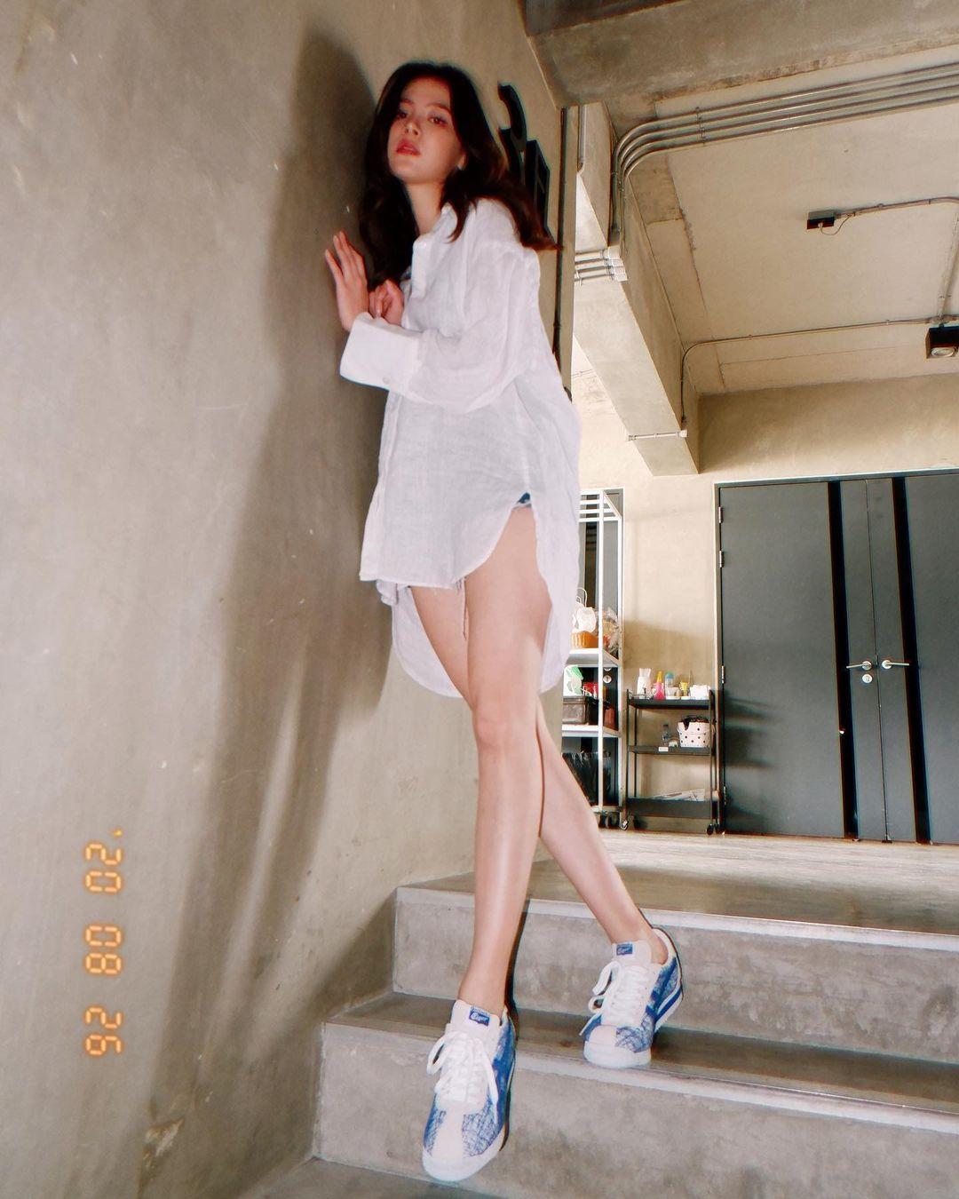 """""""Gái ngành xinh nhất Thái Lan"""" khoe trọn lưng trần với áo """"bánh tét"""" hút 800 nghìn like - hình ảnh 7"""