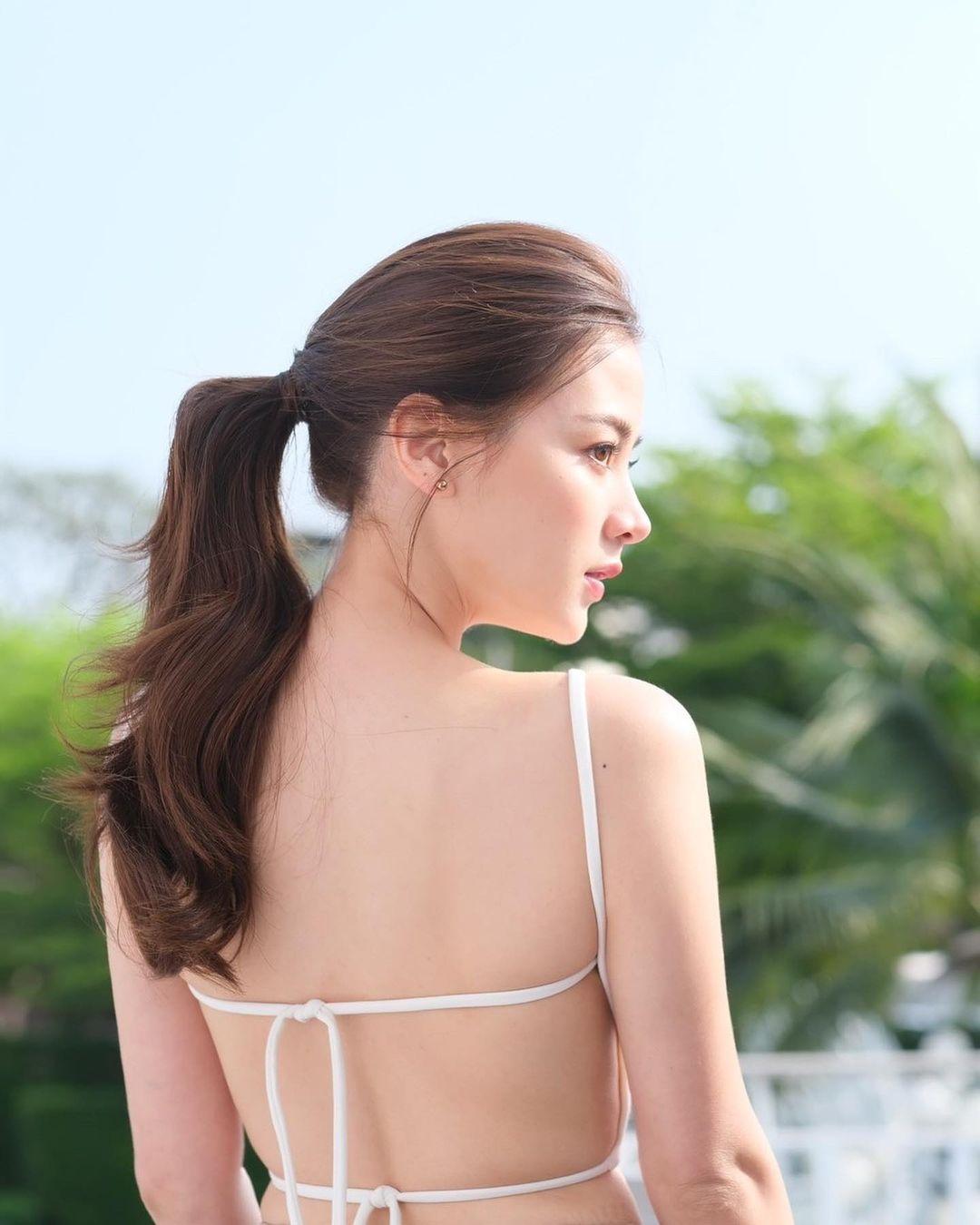 """""""Gái ngành xinh nhất Thái Lan"""" khoe trọn lưng trần với áo """"bánh tét"""" hút 800 nghìn like - hình ảnh 2"""