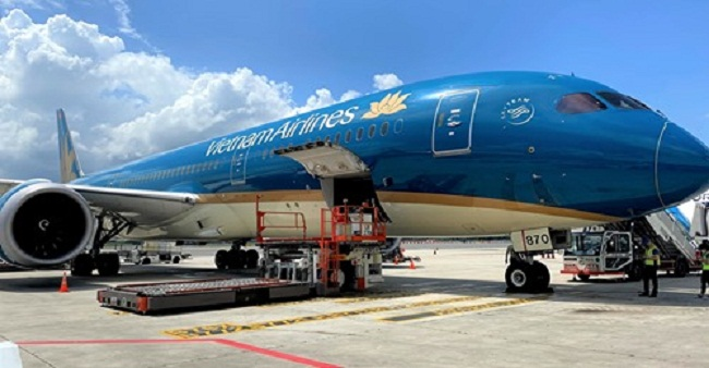 Hàng không Việt Nam chạy đua giành quyền vận chuyển vaccine Covid-19 - 1
