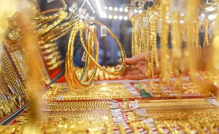 Giá vàng hôm nay 1/3: Bật tăng đầu tuần, chênh lệch ở mức cao kỷ lục - 1