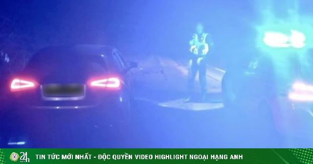 Cặp đôi khỏa thân quan hệ trên ô tô bị cảnh sát xử phạt