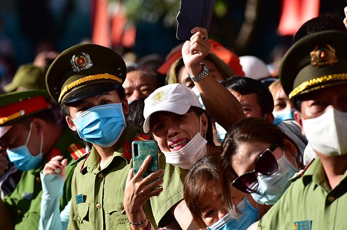 2 cô gái rạng rỡ giữa ngàn tân binh lên đường nhập ngũ - hình ảnh 15