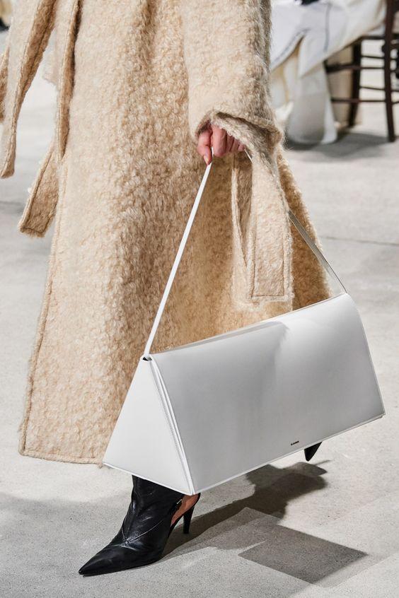 """Trend cũ lại mới: Túi xách """"khổng lồ"""" dường như muốn đựng cả thế giới - 8"""