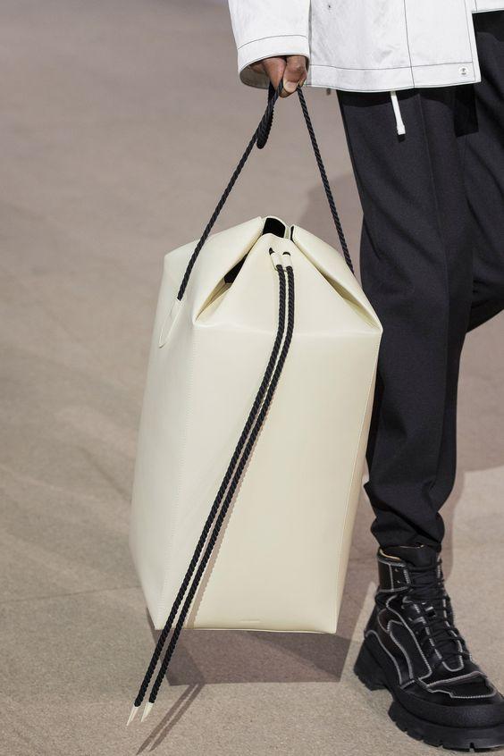 """Trend cũ lại mới: Túi xách """"khổng lồ"""" dường như muốn đựng cả thế giới - 3"""