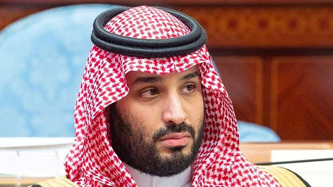 Thái tử Ả Rập bỏ Newcastle, bất ngờ hỏi mua CLB lớn hơn và mời Messi - 1