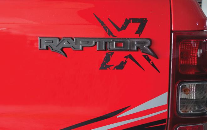 Ford Ranger Raptor có thêm phiên bản X Special màu đỏ với decal tia chớp siêu cháy - 7