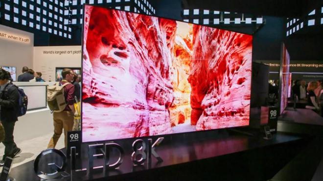 Người dùng phổ thông nên chọn TV OLED hay TV QLED? - 1