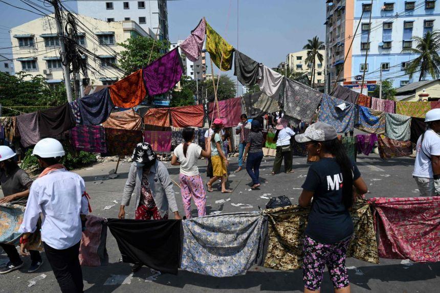 Myanmar: Người biểu tình tung