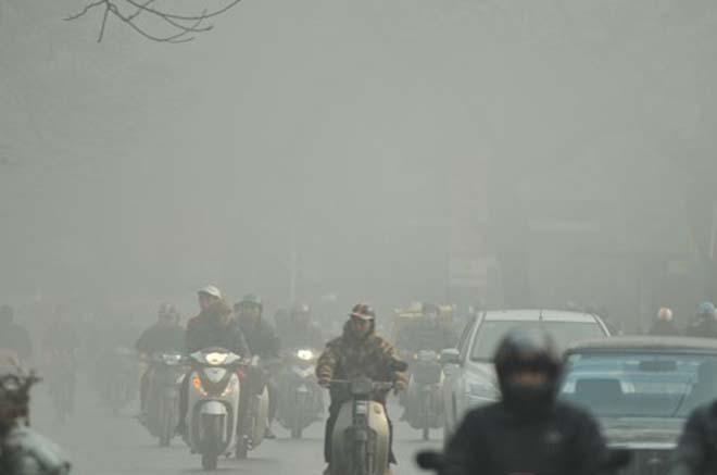 5 điều cần biết khi đi xe máy dưới trời mưa phùn, sương mù - 3