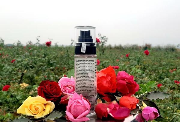 Sản phẩm nước hoa hồng Thương bán.