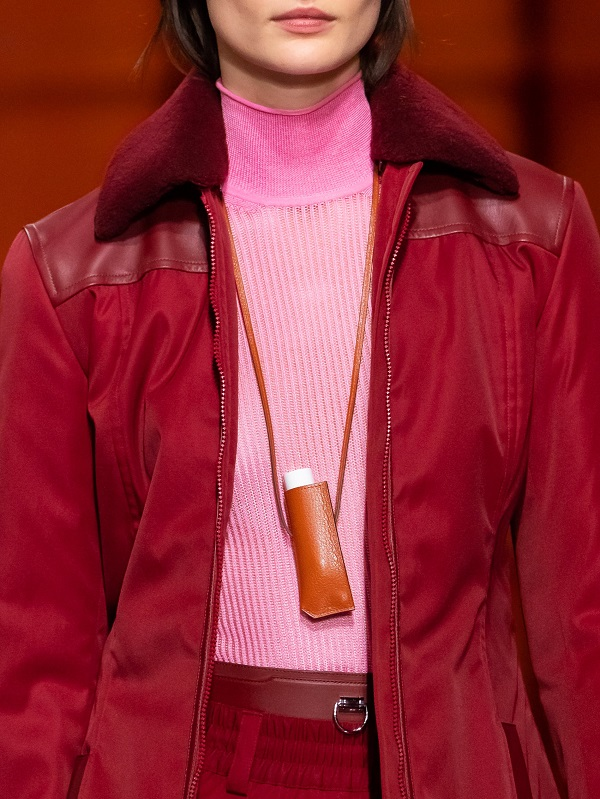 Hermès đang tạo ra xu hướng phụ kiện dành cho son môi mùa tới - 1