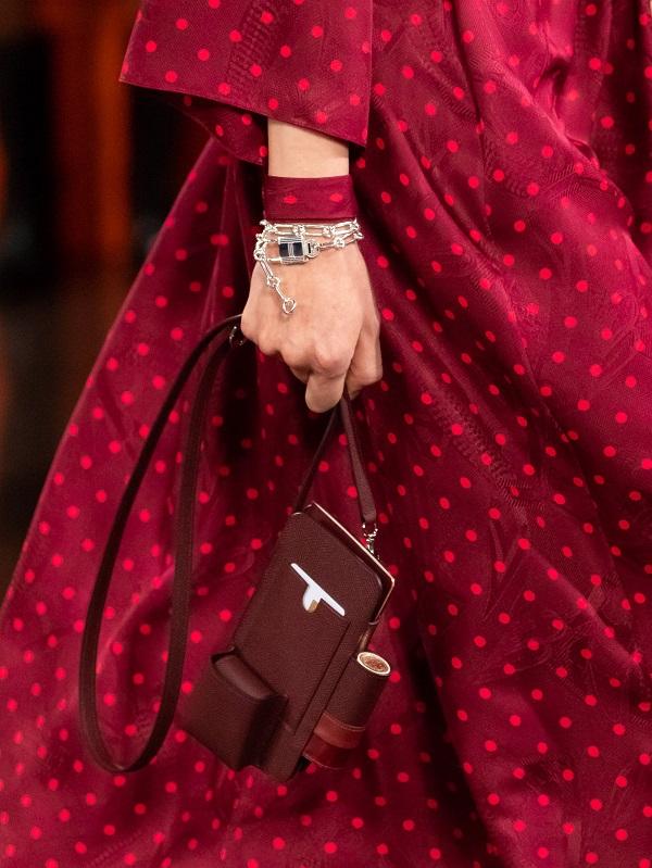 Hermès đang tạo ra xu hướng phụ kiện dành cho son môi mùa tới - 3