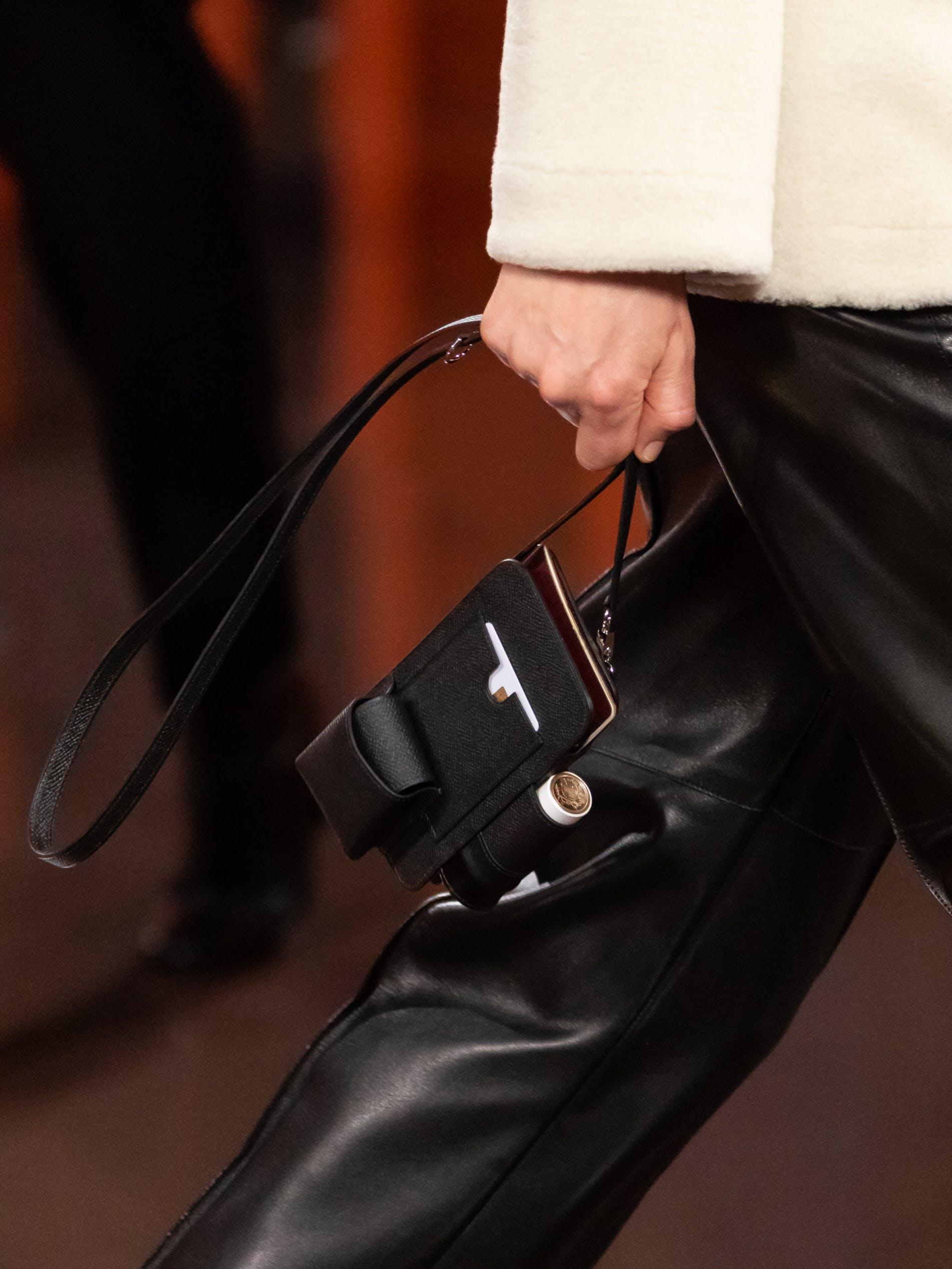 Hermès đang tạo ra xu hướng phụ kiện dành cho son môi mùa tới - 4