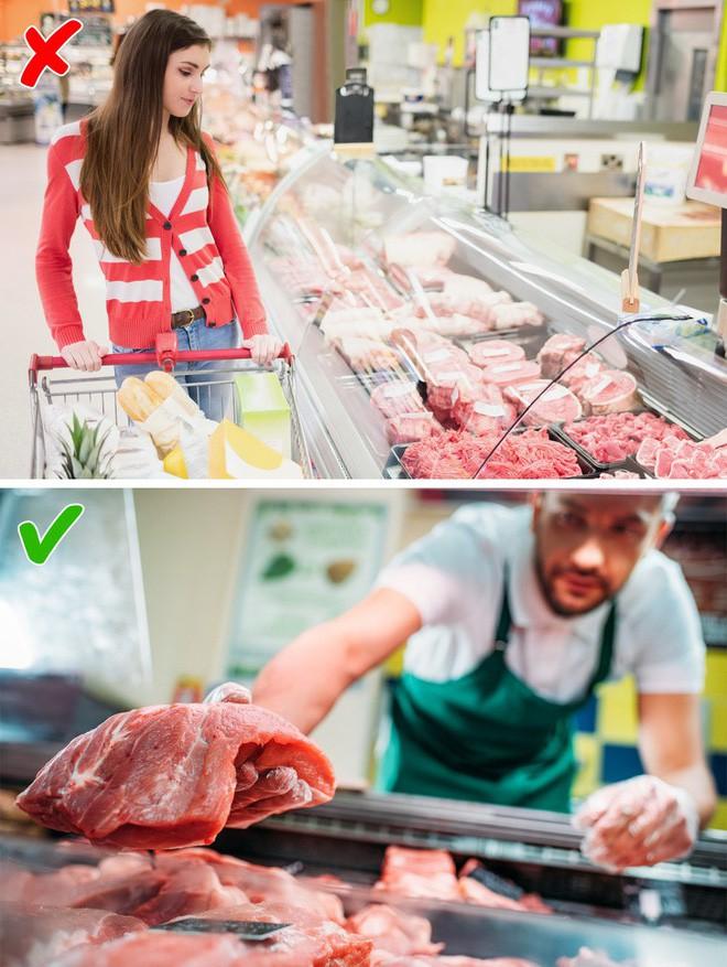 """Mua đồ ăn ở siêu thị cẩn thận bị lừa nếu không biết loạt """"mánh khóe"""" này - 4"""