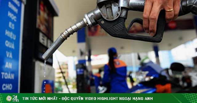 Giá dầu hôm nay 16/3: Nhiều tin tốt hỗ trợ, giá dầu vẫn lao dốc