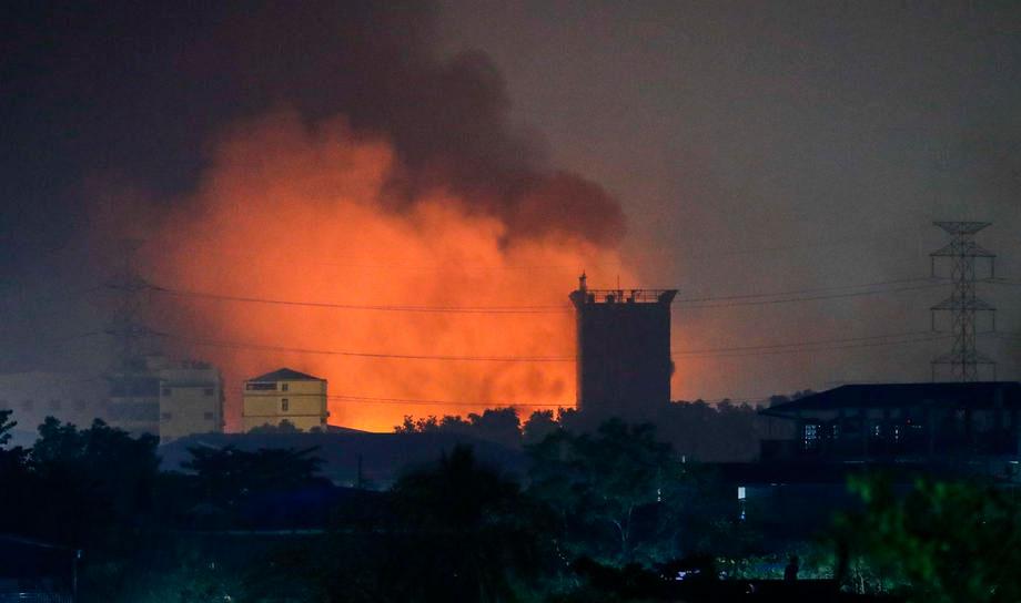 Nhiều nhà máy TQ bị đốt phá ở Myanmar: Bắc Kinh chính thức lên tiếng