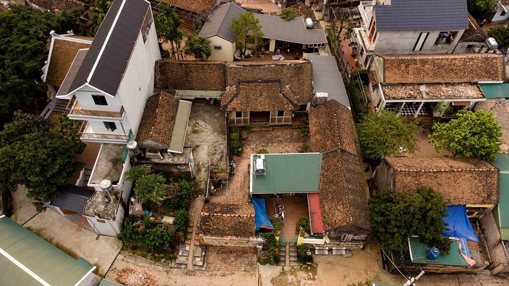 Ngôi nhà cổ gần 200 tuổi chứa bảo vật dát vàng, giá nào cũng không bán - hình ảnh 1