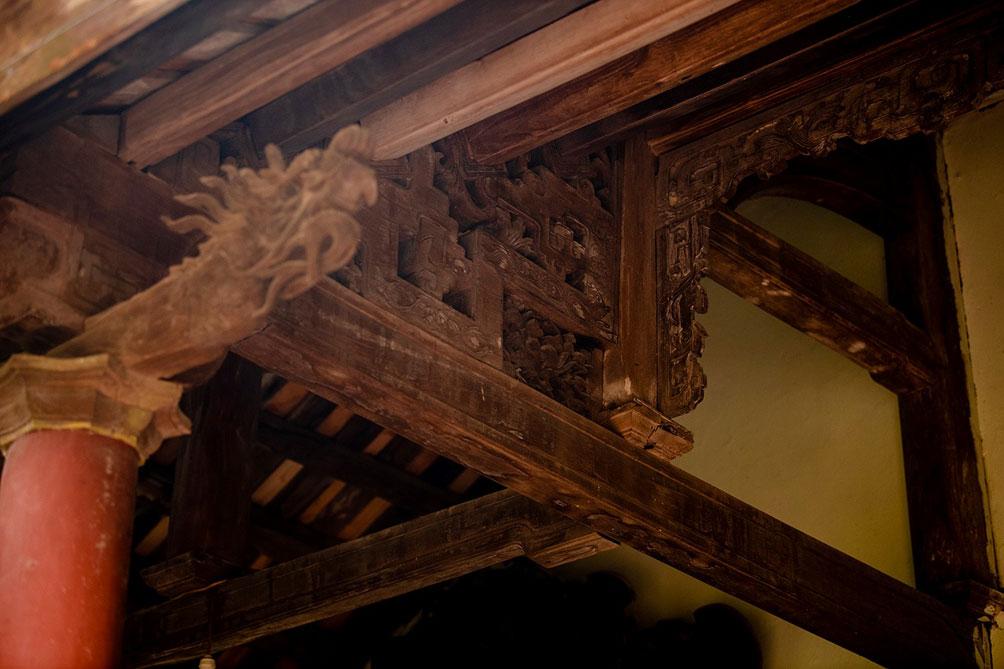 Ngôi nhà cổ gần 200 tuổi chứa bảo vật dát vàng, giá nào cũng không bán - hình ảnh 11