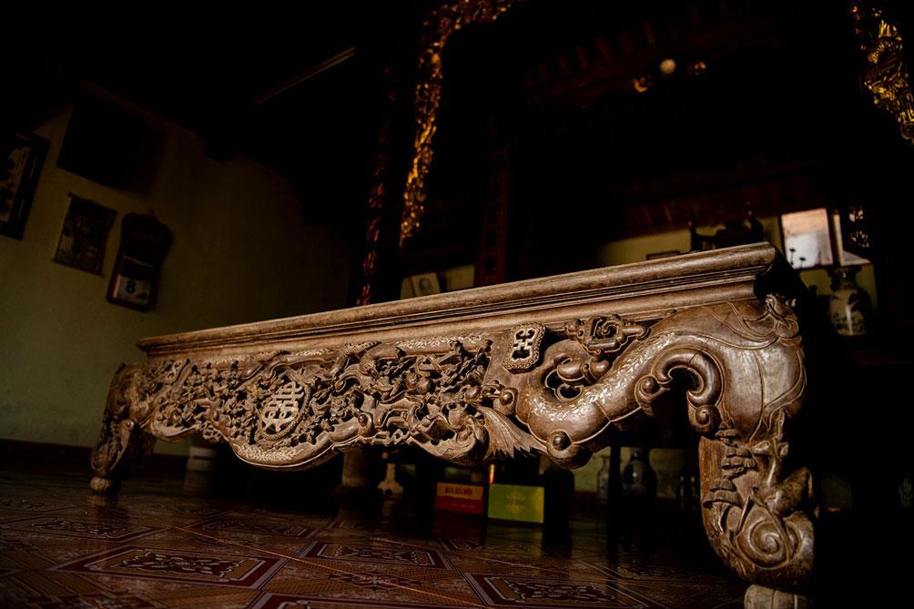 Ngôi nhà cổ gần 200 tuổi chứa bảo vật dát vàng, giá nào cũng không bán - hình ảnh 17
