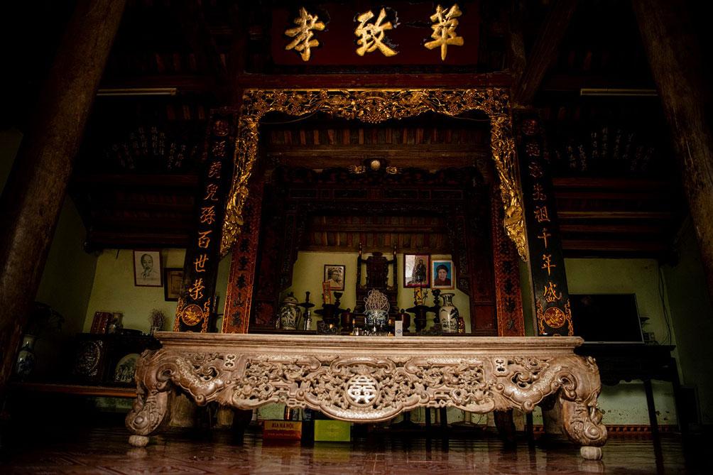 Ngôi nhà cổ gần 200 tuổi chứa bảo vật dát vàng, giá nào cũng không bán - hình ảnh 3