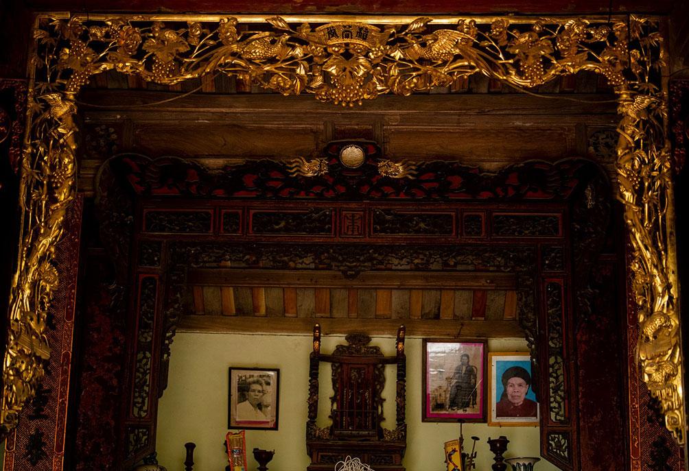 Ngôi nhà cổ gần 200 tuổi chứa bảo vật dát vàng, giá nào cũng không bán - hình ảnh 7