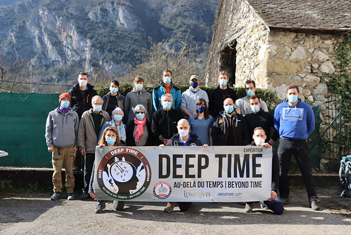 Thử thách khắc nghiệt khi sống trong hang động hẻo lánh 40 ngày - hình ảnh 3