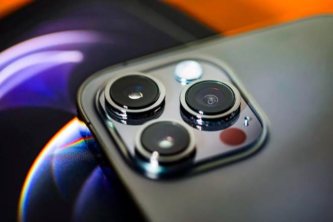 iPhone 13 cần có những gì để vượt qua cái bóng iPhone 12? - 2