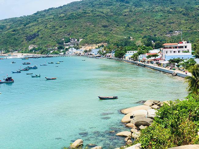 """Du lịch Đảo Lại Sơn - Kiên Giang: Ấn tượng mở cửa là """"chạm"""" biển - 2"""