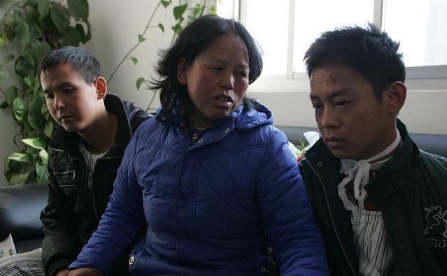 """Chàng trai 20 tuổi bị nhiễm độc niệu, khóc lóc ân hận: """"Có lẽ 2 điều này đã hại em"""" - 1"""