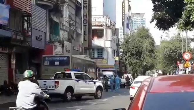 Khởi tố, bắt tạm giam chủ khách sạn và 2 người khác tổ chức cho 35 người Trung Quốc ở lại Việt Nam trái phép - hình ảnh 1