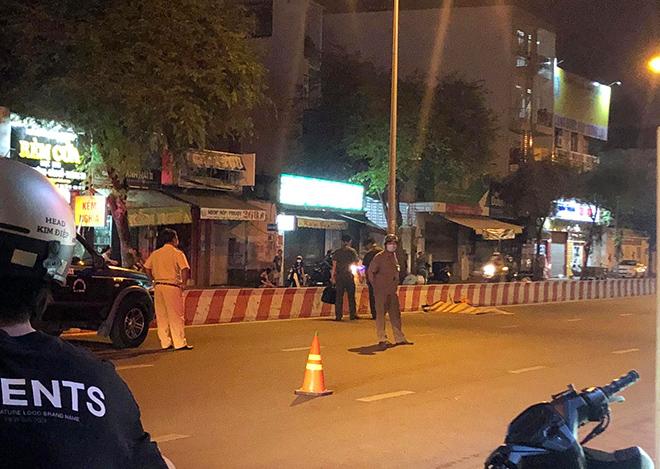 Thanh niên tử vong trên đường, xe máy văng xa gần 50m sau TNGT - hình ảnh 2