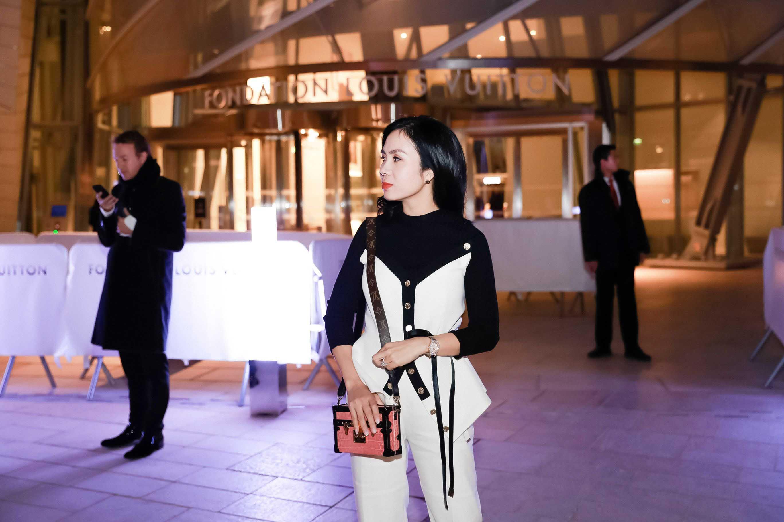 """Thú chơi hàng hiệu """"khủng"""" của fashionista Lưu Nga - hình ảnh 6"""