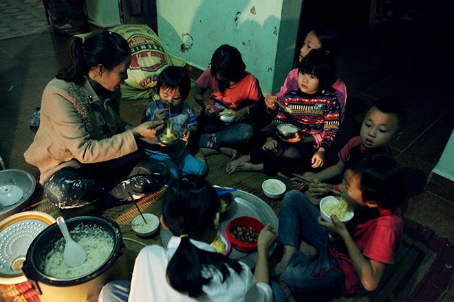 Bất ngờ với cuộc sống hiện tại của người phụ nữ 29 tuổi đẻ 8 con ở Hà Nội - hình ảnh 8