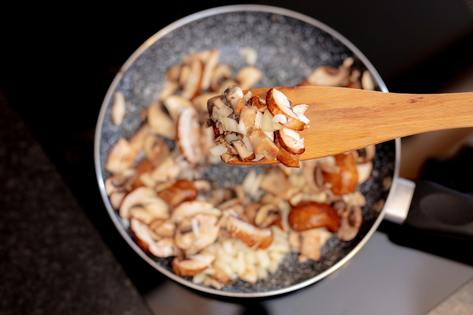 Những sai lầm khi nấu khiến món nấm mất ngon, người đảm đang mấy cũng dễ mắc - 1