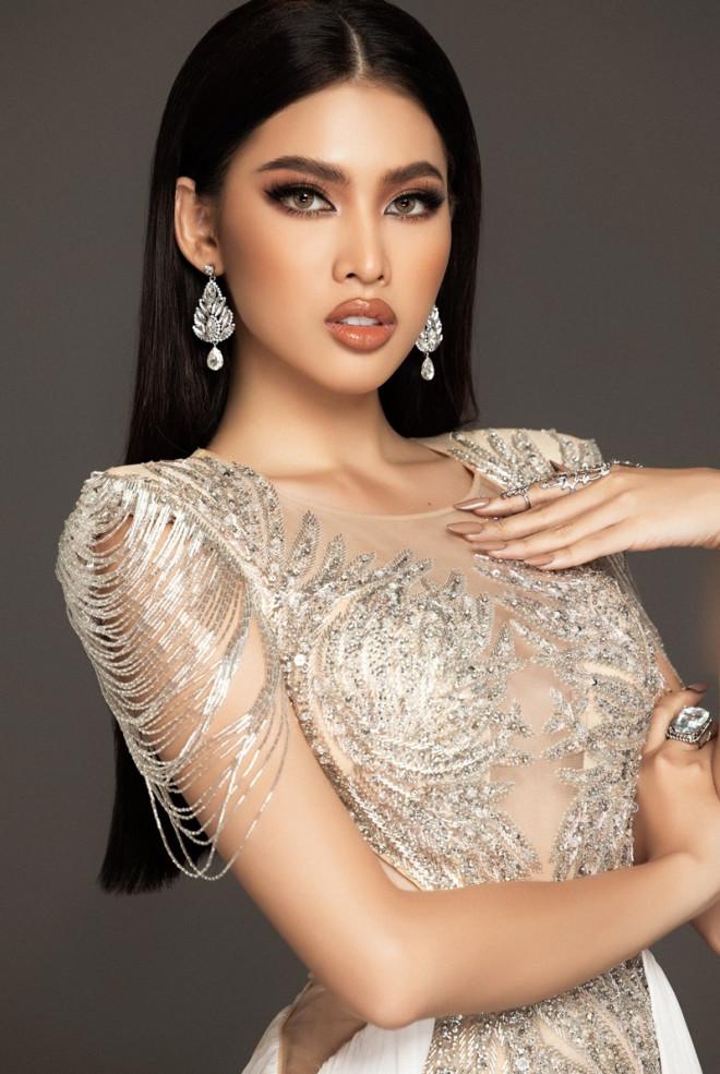 Cận cảnh bộ váy ý nghĩa của của Ngọc Thảo dự thi đêm Bán kết Miss Grand International 2020 - 1