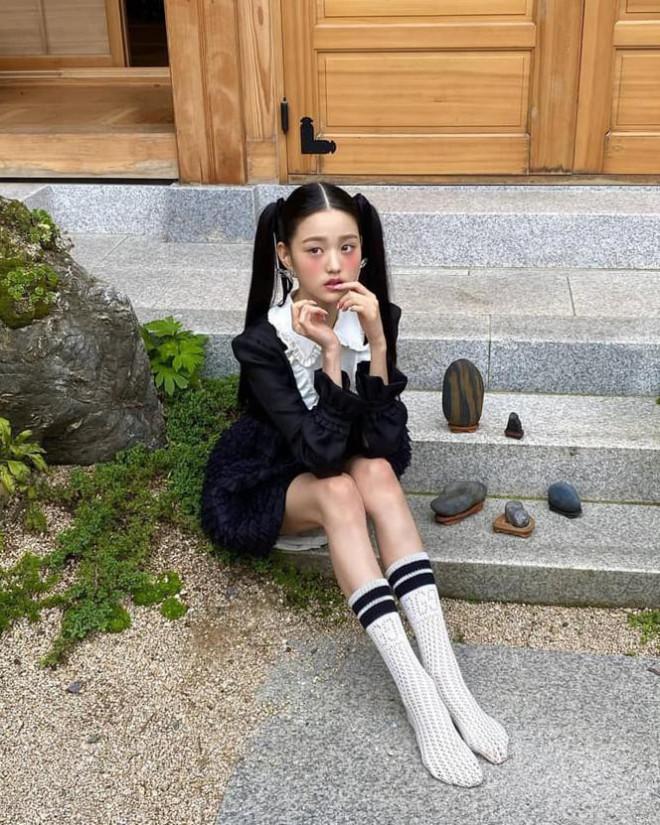"""Xinh đẹp đỉnh cao như Jang Won Young cũng thành nạn nhân của """"chọn sai lối trang điểm"""" - 5"""