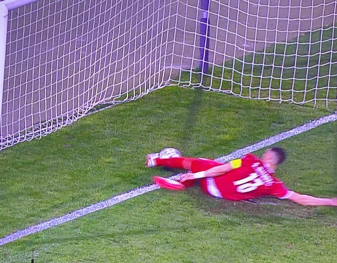 SỐC: Ronaldo phát điên ném băng đội trưởng vì ĐT Bồ Đào Nha bị