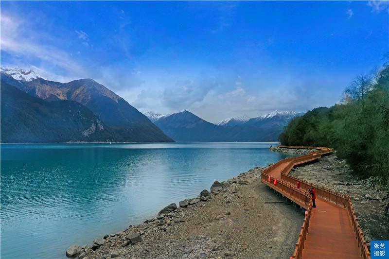 """Tháng 3, thiên đường ở Tây Tạng được ví như """"Thụy Sĩ phương Đông"""" - hình ảnh 3"""