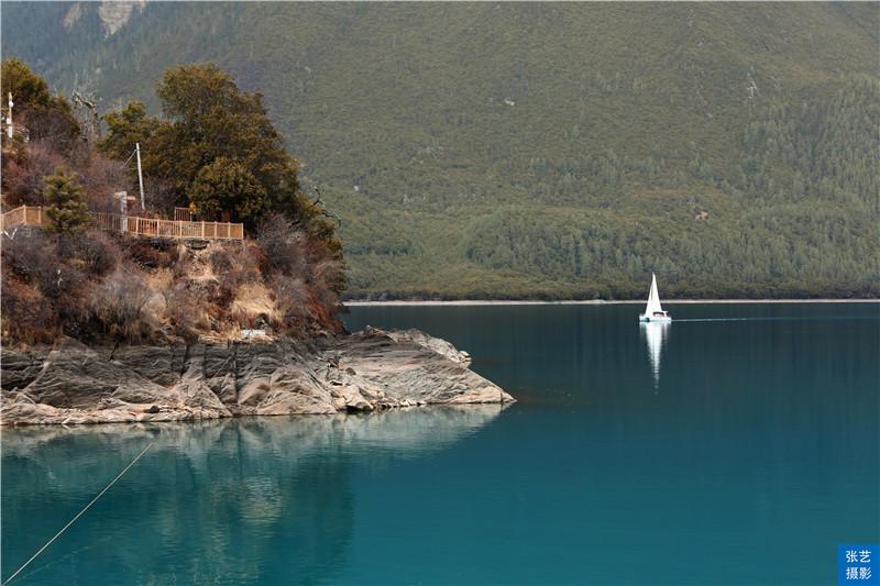 """Tháng 3, thiên đường ở Tây Tạng được ví như """"Thụy Sĩ phương Đông"""" - hình ảnh 4"""