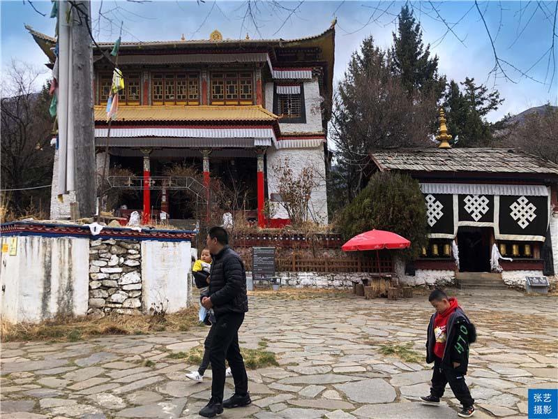 """Tháng 3, thiên đường ở Tây Tạng được ví như """"Thụy Sĩ phương Đông"""" - hình ảnh 7"""