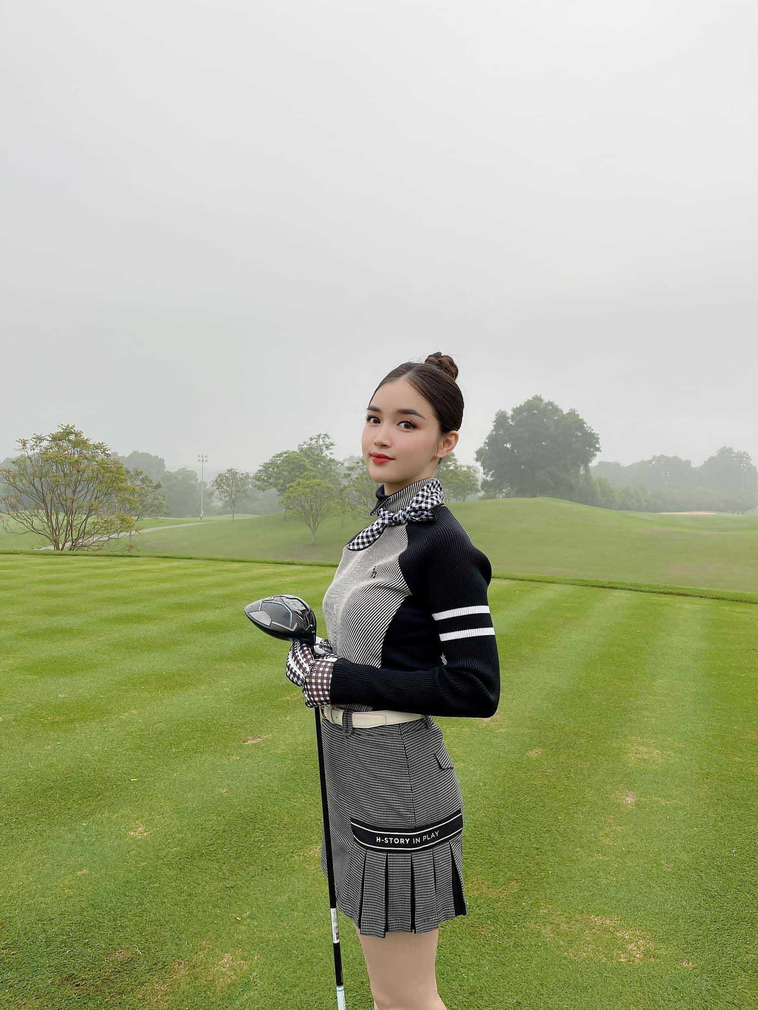 Tiểu thư Hà Thành sở hữu đường cong mỹ miều nhờ chơi môn thể thao nhà giàu - hình ảnh 4