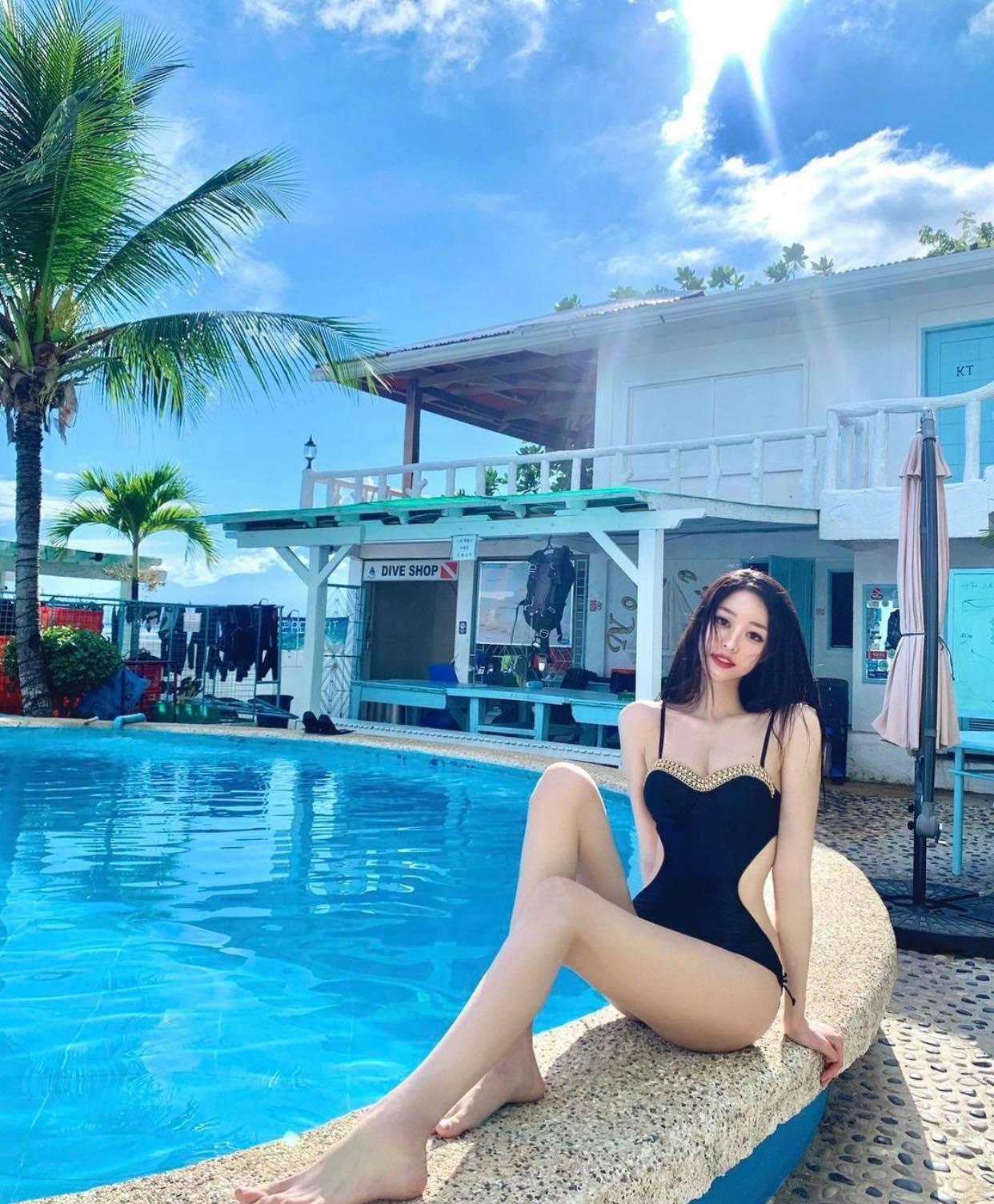 Nữ sinh Hàn Quốc có đôi chân dài vô tận, vòng hông điểm 10, mặc bikini đẹp như giấc mơ - 6