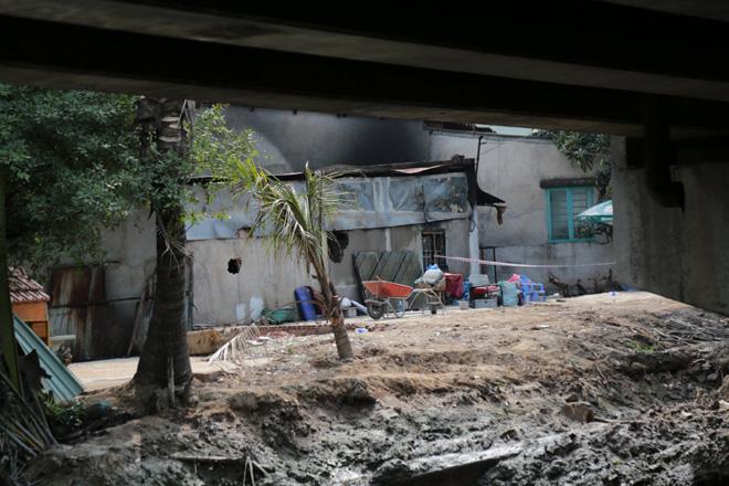 Vụ cháy 6 người trong cùng gia đình tử vong: Mẹ già khóc gào gọi tên con, cháu - hình ảnh 5