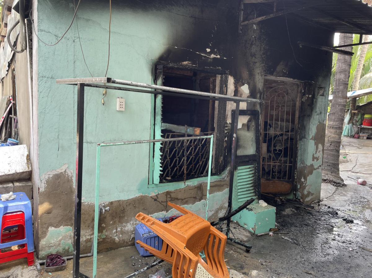 Ảnh: Hiện trường vụ cháy kinh hoàng khiến 6 người trong gia đình tử vong - hình ảnh 4