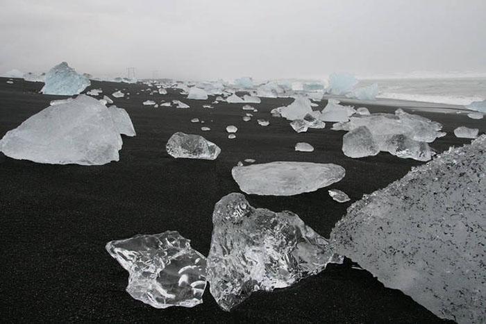 """Bãi biển """"kim cương"""" tuyệt đẹp ở Iceland - hình ảnh 1"""