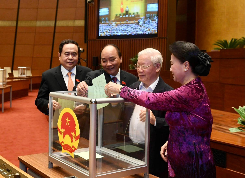 Quốc hội miễn nhiệm 3 phó chủ tịch Quốc hội, trình nhân sự bầu thay thế - hình ảnh 1