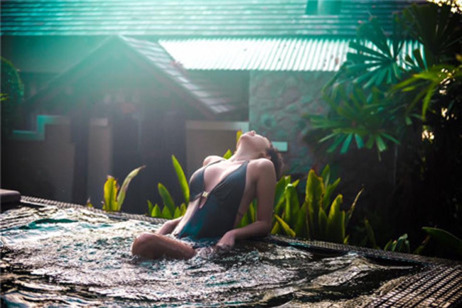Tóc Tiên cứ đi biển lại quá bạo khiến bao chàng mê mệt - hình ảnh 11