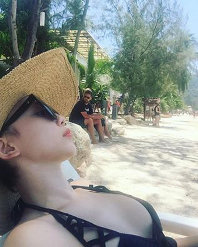 Tóc Tiên cứ đi biển lại quá bạo khiến bao chàng mê mệt - hình ảnh 12