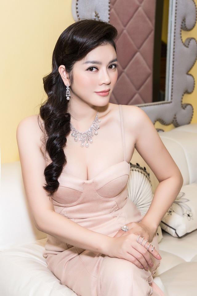 Dù cố ăn mặc kín đáo nhưng Ngân 98, Kaity Nguyễn vẫn lọt top đào tiên siêu hot - hình ảnh 10